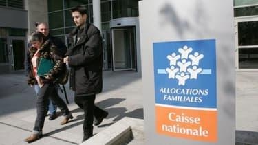 """Un rapport du Sénat évoque également """"une situation de crise"""" pour les CAF"""