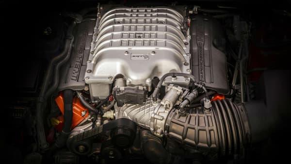 Un trésor sous le capot, avec ce V8 HEMI 6,2 litres de 717 ch