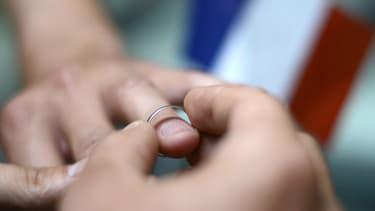 Si 58% des Français sont favorables au mariage homo, une courte majorité s'oppose à l'adoption pour les couples du même sexe.