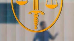 Une peine d'un an de prison avec sursis avec une obligation de soins psychiatriques a été requise à Paris contre le général Raymond Germanos, jugé pour avoir téléchargé des milliers d'images pédopornographiques entre 2004 et 2008. /Photo d'archives/REUTER
