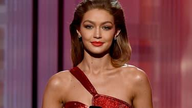 Gigi Hadid sur la scène des American Music Awards