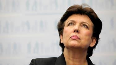 La commission d'enquête de l'Assemblée nationale sur la gestion de la crise du nouveau coronavirus interroge mercredi deux autres ex-ministres de la Santé sur la gestion des stocks de masques en France, Marisol Touraine et Roselyne Bachelot