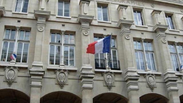 La poste Paris-Louvre pourrait être réhabilitée en logements sociaux
