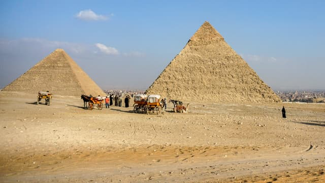 Les pyramides de Khéops et de Khephren (image d'illustration)