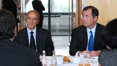 """Martin Bouygues (à droite sur cette photo) assurait lors de la présentation de ses résultats qu'il avait vu Stéphane Richard (à gauche) """"deux ou trois fois avec plaisir""""."""
