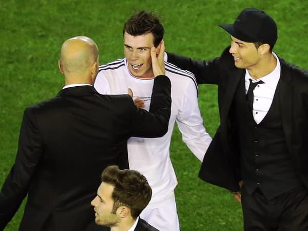 Gareth Bale félicité par Zinedine Zidane et Cristiano Ronaldo