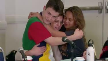 """Dylan Minnette (Clay), Alisha Boe (Jessica) et Brandon Flynn (Justin), les acteurs de """"13 Reasons Why"""", lors de la lecture du scénario de la dernière saison."""