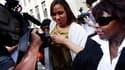 Nafissatou Diallo (au centre), qui accuse Dominique Strauss-Kahn de l'avoir agressée sexuellement en mai dernier à New York, a rencontré mercredi pendant près de huit heures les procureurs chargés de l'affaire. /Photo prise le 27 juillet 2011/REUTERS/Shan