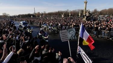La foule était bien présente place de la Madeleine pour un dernier hommage à Johnny Hallyday