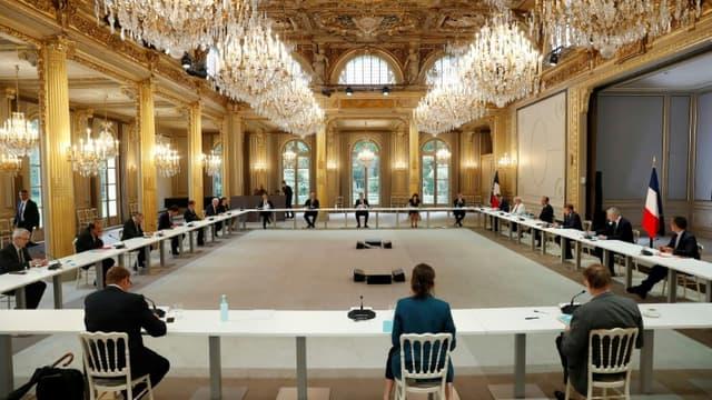 Réunion à l'Elysée avec les syndicats et le patronat, le 4 juin 2020 à Paris