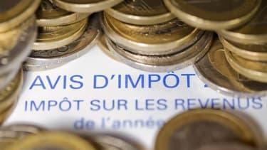 Manuel Valls renvoit les baisses d'impôts pour les autres contribuables à 2015