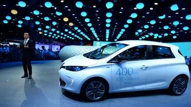 Début octobre, une étude de l'UFC-Que Choisir soulignait que posséder une voiture électrique revenait à 6.081 euros par an, contre 7.038 euros pour une voiture diesel.