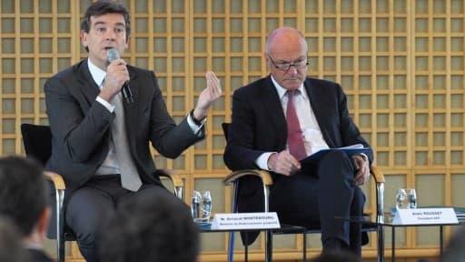 Arnaud Montebourg recevait Alain Rousset (à droite) et l'ensemble des présidents de régions, mardi 26 novembre à Bercy.