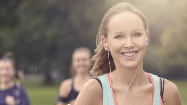 Pour prévenir certaines maladies chroniques, dont le cancer, il est recommandé aux adultes de pratiquer au moins l'équivalent de 30 minutes de marche rapide par jour.