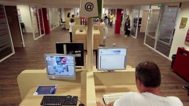 Avec Pole Emploi, Facebook veut former au numérique 50.000 chômeurs en deux ans