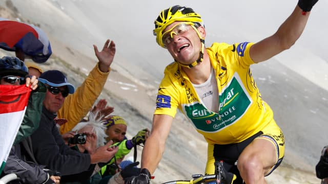 Thomas Voeckler a arraché au Galibier son maillot jaune pour quinze petites secondes