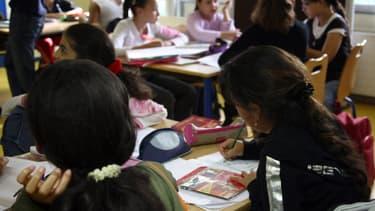 Les parents estiment à 43% que le soutien scolaire à l'école est la meilleure manière de progresser, contre 10% pour les cours particuliers à domicile.