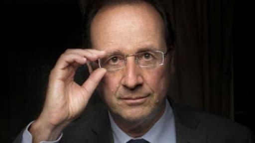 François Hollande ne prendra pas de vacances pour montrer l'exemple.