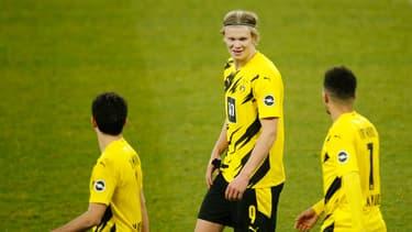 Erling Haaland tout sourire lors de Schalke-Dortmund
