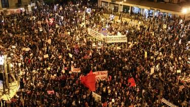 Des milliers de personnes ont manifesté à Jérusalem (Israël), pour protester contre Benjamin Netanyahu, le 12 septembre 2020.