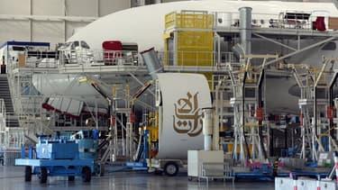 Un A380 en train d'être assemblé à l'usine Airbus de Toulouse Blagnac.