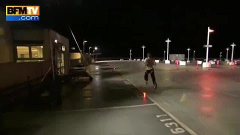 L'homme qui allait plus vite qu'une voiture conduite par Sébastien Ogier