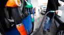 Le gouvernement français exclut toute baisse de taxes ou action coercitive pour compenser la flambée des prix des carburants, conseillant aux automobilistes de réduire leur vitesse et de bien gonfler les pneus de leurs voitures.