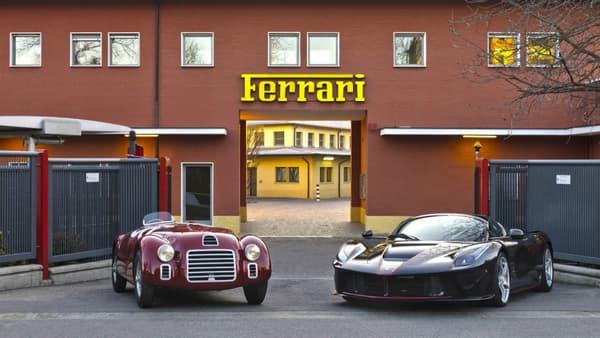 La 125S à côté de la LaFerrari Aperta: 845 chevaux les séparent.