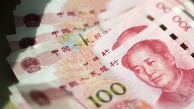 """""""Le taux de change est fixé par l'offre et la demande sur le marché. Parfois il baisse et parfois il monte, cela fluctue dans les deux sens"""", a expliqué Pékin."""