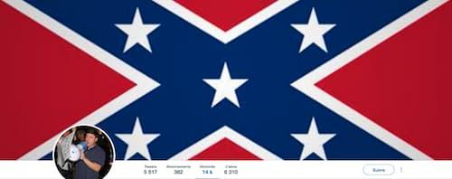 """En suivant à la lettre les instructions de Twitter, Jason Kessler, organisateur de la manifestation raciste de Charlottesville, a obtenu le label """"compte d'intérêt public""""."""