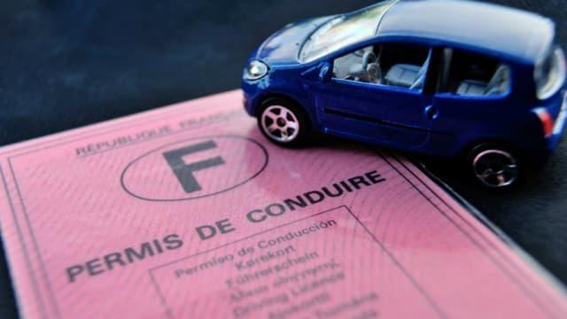 Une suspension de permis de conduire interdit de prendre le volant de tout type de véhicule pendant toute la durée de la sanction.