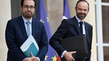Edouard Philippe, Premier ministre, et Mounir Mahjoubi, secrétaire d'état au numérique,  veulent en finir avec les propos haineux diffusés sur les réseaux sociaux.