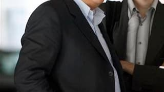 Interrogé dans Le Parisien, l'ex-homme d'affaires et ancien ministre Bernard Tapie a annoncé sa décision de réintégrer le Parti radical de gauche (PRG) comme militant de base. /Photo d'archives/REUTERS/Charles Platiau