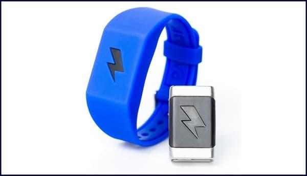Le bracelet Pavlok existe en cinq coloris et coûte 179 dollars.