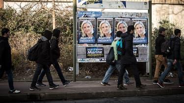 En Nord-Pas-de-Calais-Picardie, Marine Le Pen arrive en tête du premier tour des régionales.
