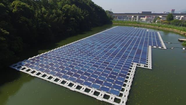 Le solaire flottant est développé au Japon et en Chine, mais l'Europe ne dispose encore d'aucune centrale de taille significative
