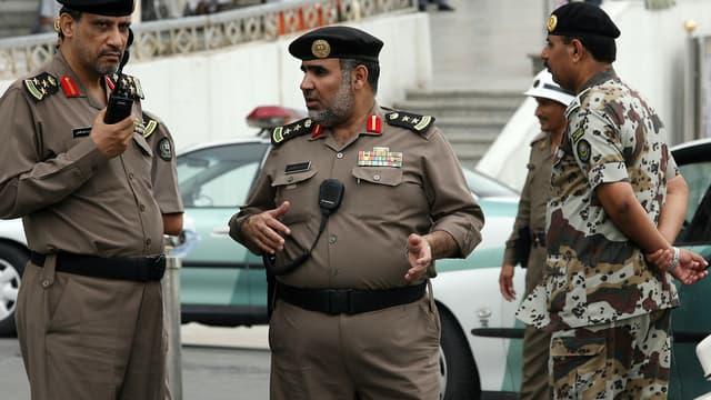 Une femme saoudienne a été arrêtée par la police pour avoir enlevé son voile et publié sur Twitter une photo d'elle tête nue.