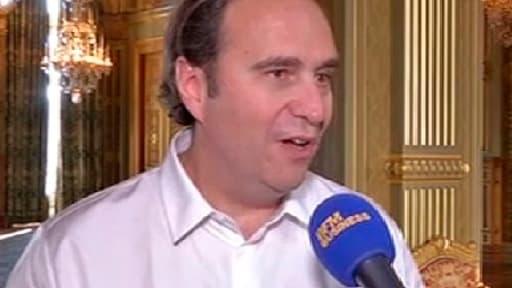 Xavier Niel répondait aux question de Guillaume Paul depuis l'Hôtel de Ville de Paris où il présentait son projet d'incubateur géant ce mardi 24 septembre.