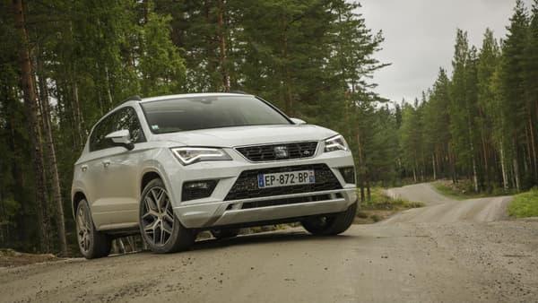 Ponctuées de nombreuses bosses, les pistes du rallye de Finlande offre un environnement idéal pour tester notre Ateca en 4Drive.