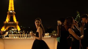 """La série """"Emily in Paris"""" avec Lily Collins, sur Netflix"""