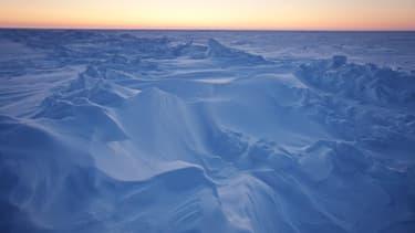 Près du laboratoire de physique appliquée, au nord de Prudhoe Bay, en Alaska. La teneur en dioxyde de carbone de l'atmosphère a atteint la barre des 400 parties par million (ppm) dans une station d'observation de Hawaii qui fait référence, et cela pour la