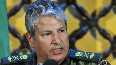 Le chef des rebelles libyens a contredit samedi une information d'un porte-parole de la rébellion qui indiquait qu'un accord avait été trouvé avec l'Italie pour la livraison d'armes. /Photo prise le 5 avril 2011/REUTERS/Esam al-Fetori