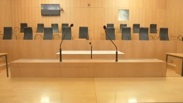 La première audience devant une cour criminelle se déroule au tribunal de Caen.