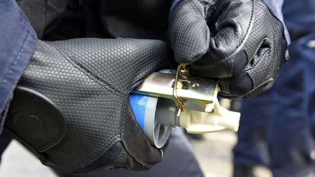 Huit policiers ont été blessés par l'explosion d'une grenade lacrymogène, à la suite d'une mauvaise manipulation, au cours d'un exercice au Centre de formation de la Police, à Chassieu, dans la banlieue de Lyon. (Photo d'illustration)