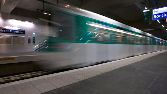 Dans le métro à Paris (photo d'illustration)
