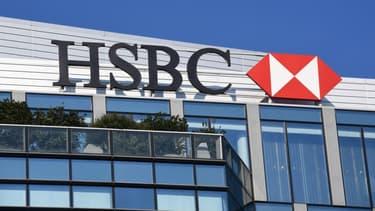 La banque cherche à maitriser ses coûts dans un environnement difficile.