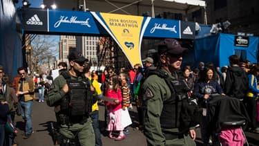 La sécurité est renforcée à Boston, un an après les attentats sur le marathon de la ville.