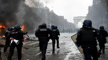 Un policier a perdu l'usage de son oeil lors de la manifestation des gilets jaunes à Paris.
