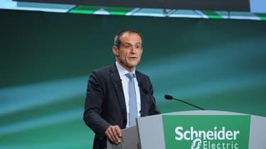"""Pouer Jean-Pascal Tricoire, le PDG de Schneider Electric"""" fixer un prix du carbone à un niveau permettant aux entreprises de développer des solutions serait un grand pas en avant."""""""