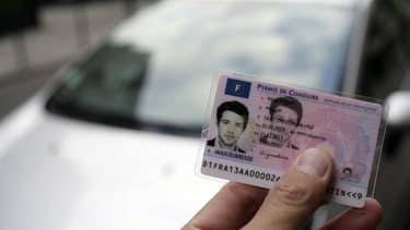 Moins de 5% des candidats se présentent aujourd'hui à l'examen du permis de conduire sur une voiture à boite mécanique, un pourcentage qui pourrait augmenter avec la réforme.